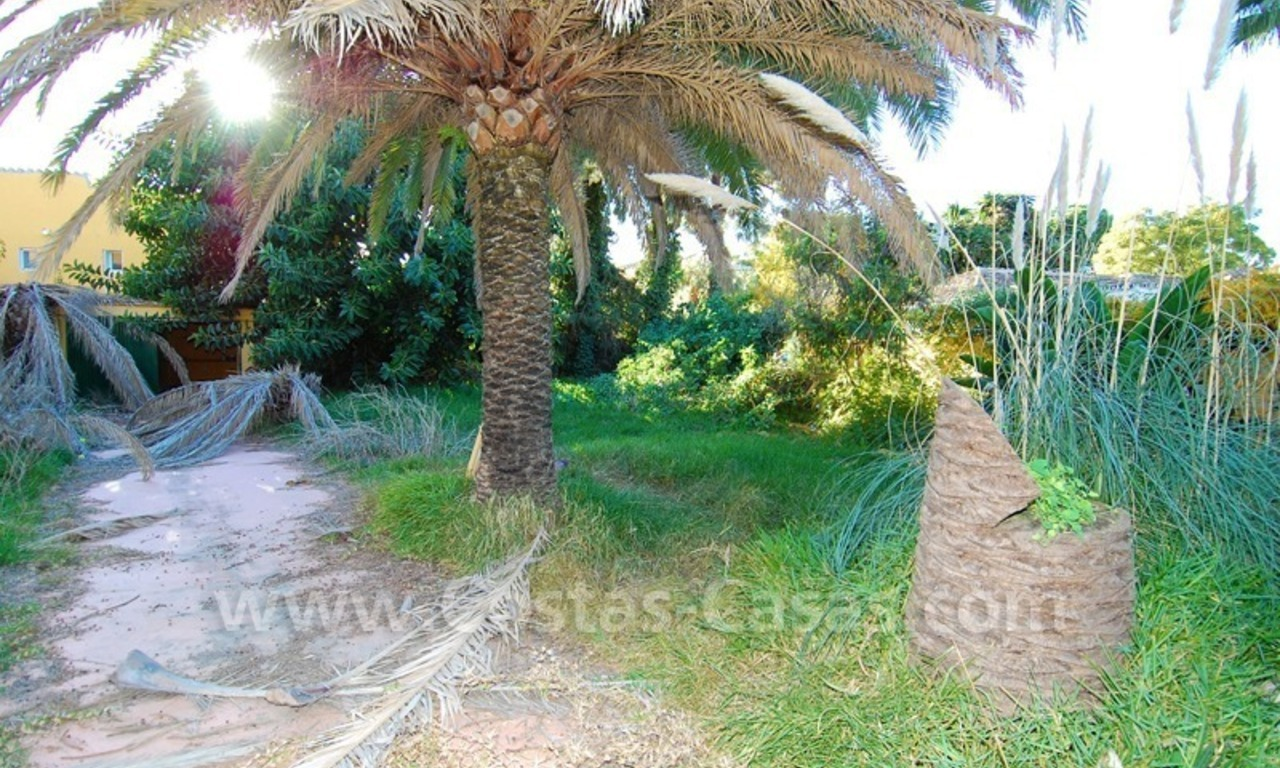 Bargain plot with detached villa to renovated for sale near the beach in San Pedro – Marbella 4