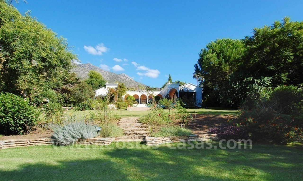 Romantic villa for sale above the Golden Mile in Marbella 17