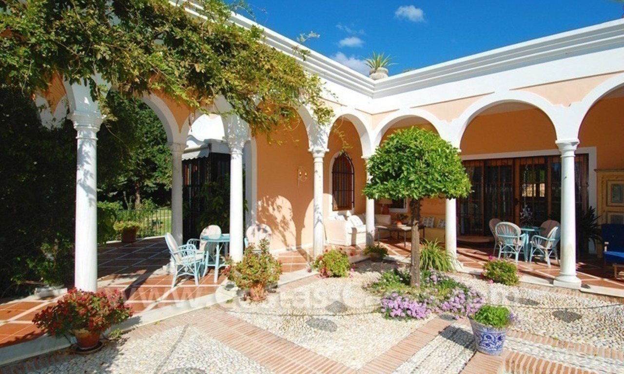 Romantic villa for sale above the Golden Mile in Marbella 4
