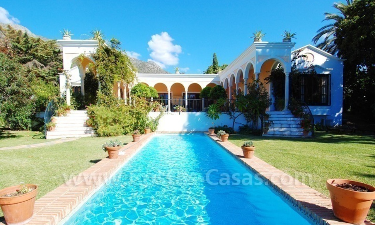 Romantic villa for sale above the Golden Mile in Marbella 12