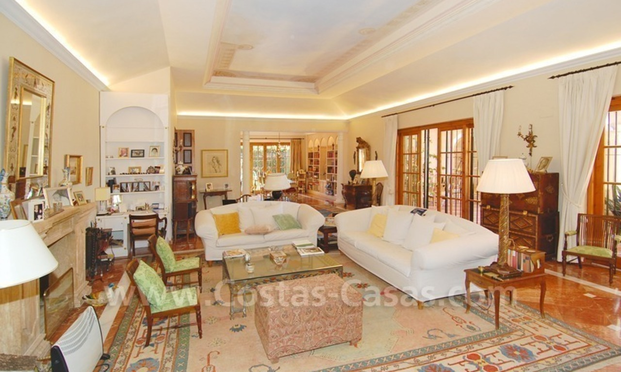 Romantic villa for sale above the Golden Mile in Marbella 23
