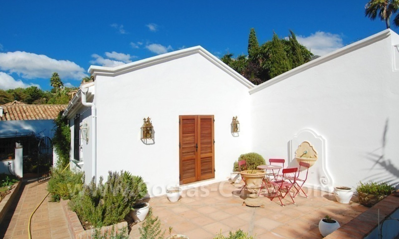 Romantic villa for sale above the Golden Mile in Marbella 27