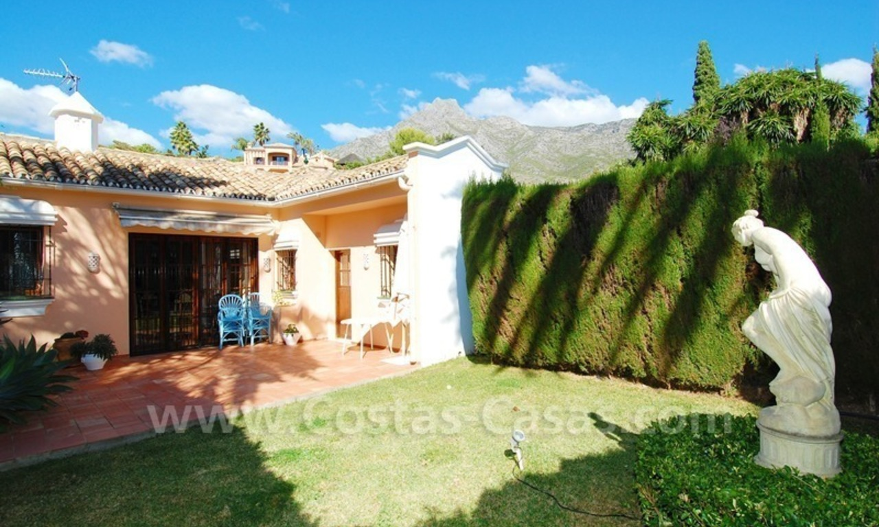 Romantic villa for sale above the Golden Mile in Marbella 28