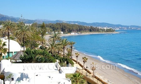 Beachfront contemporary apartment for sale, Golden Mile, Marbella 1