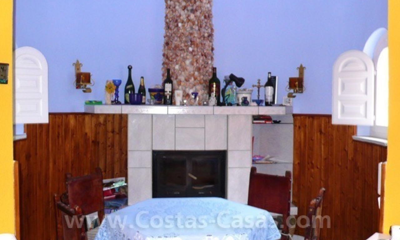 Cozy detached villa to buy on sea side in East of Marbella 13