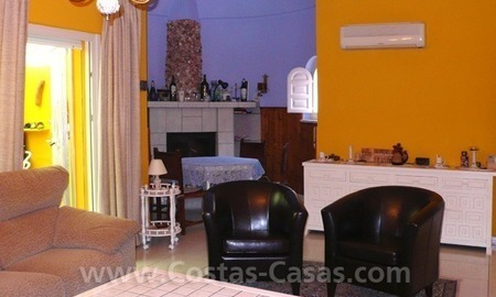 Cozy detached villa to buy on sea side in East of Marbella 9