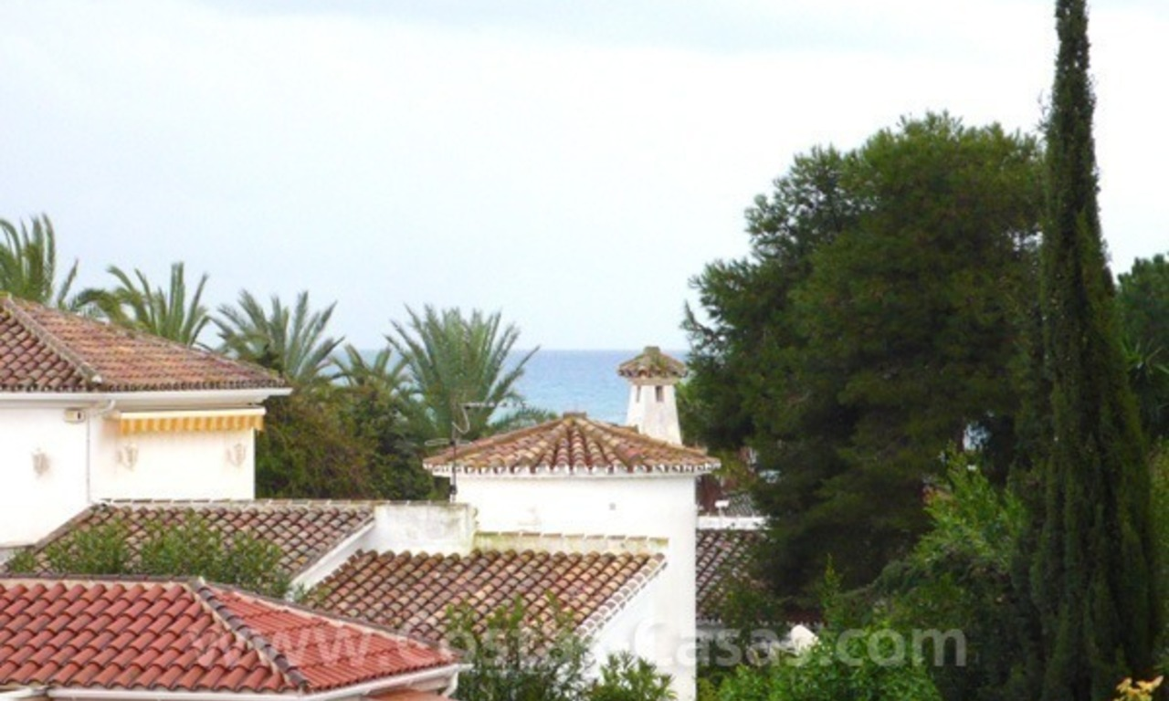 Cozy detached villa to buy on sea side in East of Marbella 0
