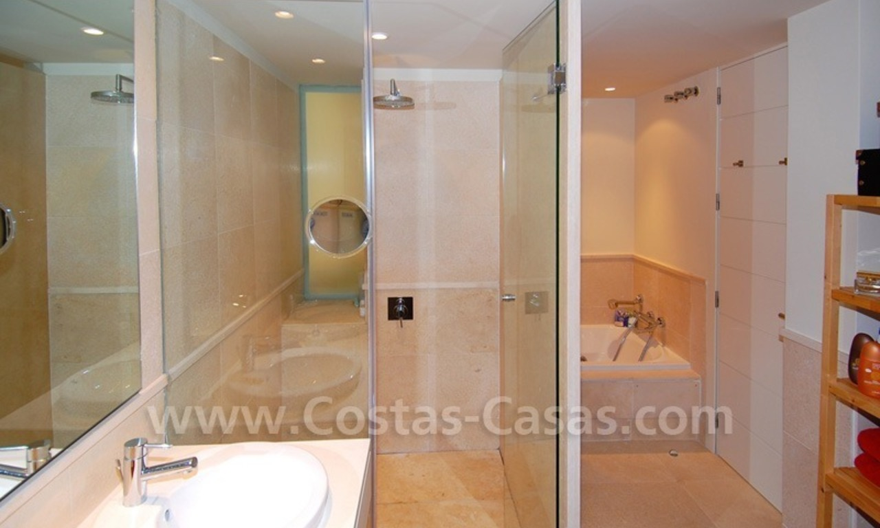Bargain! Modern style luxury apartment for sale, golf resort, Marbella - Benahavis 27