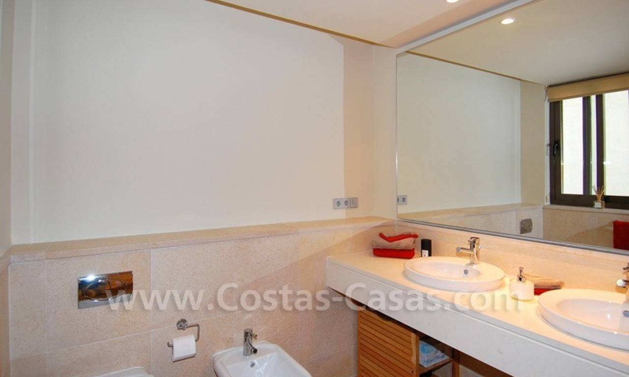 Bargain! Modern style luxury apartment for sale, golf resort, Marbella - Benahavis 28
