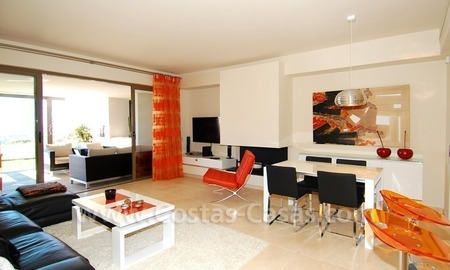 Bargain! Modern style luxury apartment for sale, golf resort, Marbella - Benahavis 16
