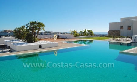 Bargain! Modern style luxury apartment for sale, golf resort, Marbella - Benahavis 1