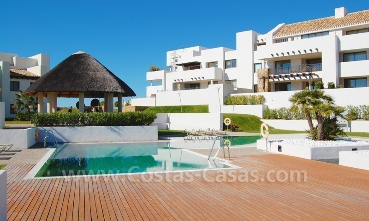 Bargain! Modern style luxury apartment for sale, golf resort, Marbella - Benahavis 2