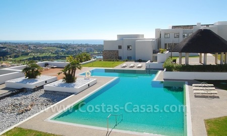 Bargain! Modern style luxury apartment for sale, golf resort, Marbella - Benahavis 0