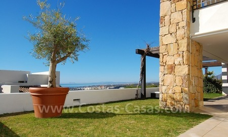 Bargain! Modern style luxury apartment for sale, golf resort, Marbella - Benahavis 5