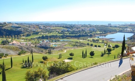 Bargain! Modern style luxury apartment for sale, golf resort, Marbella - Benahavis 14