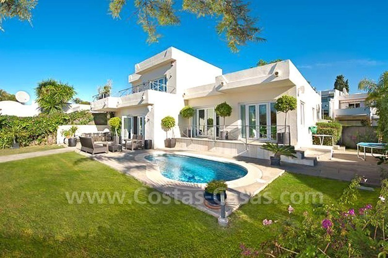 Contemporary villa for sale in Nueva Andalucia – Marbella