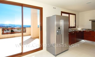 Luxury penthouse apartment for sale near Puerto Banus in Nueva Andalucia, Marbella 7