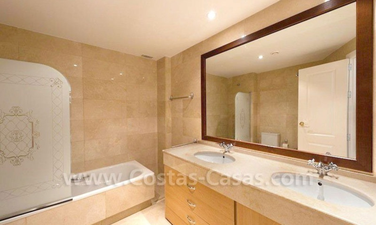 Beachside apartment for sale in Marbella 18