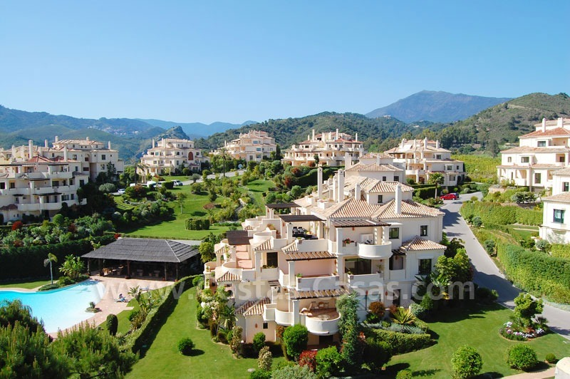 Luxury ample penthouse apartment for sale on golf course, Marbella – Benahavis 6