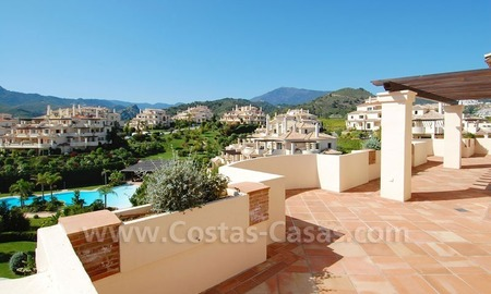 Luxury ample penthouse apartment for sale on golf course, Marbella – Benahavis
