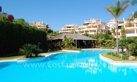 Luxury ample penthouse apartment for sale on golf course, Marbella – Benahavis 15