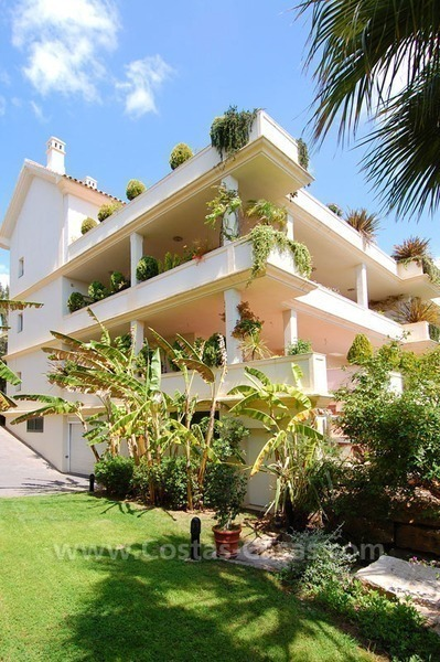 Exclusive penthouse apartment for sale on the Golden Mile in Marbella 25