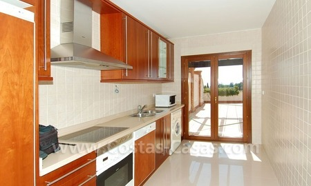 Exclusive penthouse apartment for sale on the Golden Mile in Marbella 11