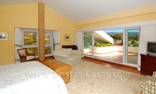 Frontline golf villa for sale in Marbella, walking distance to beach 24