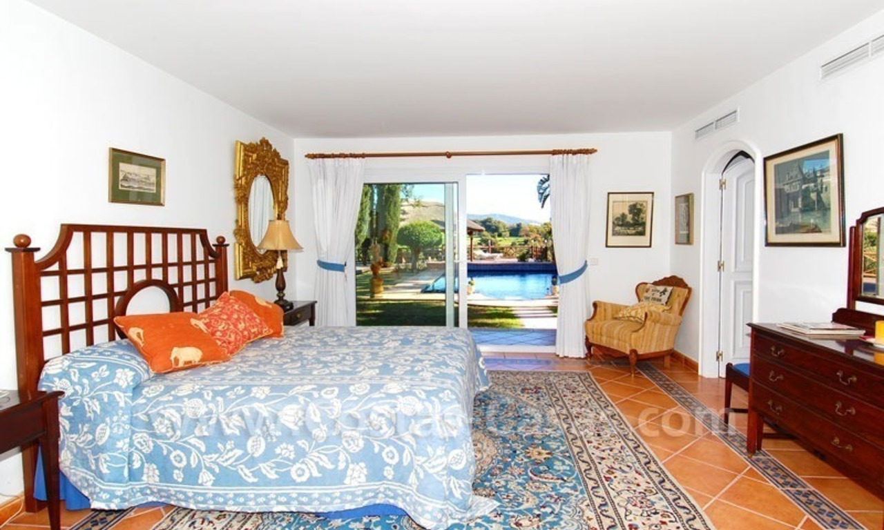 Frontline golf villa for sale in Marbella, walking distance to beach 20