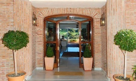 Frontline golf villa for sale in Marbella, walking distance to beach 29