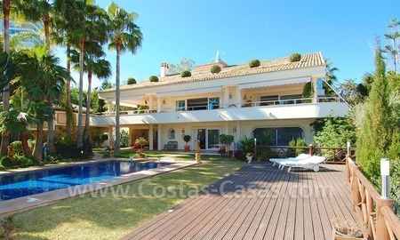 Frontline golf villa for sale in Marbella, walking distance to beach 7