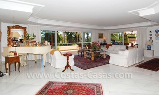 Frontline golf villa for sale in Marbella, walking distance to beach 10