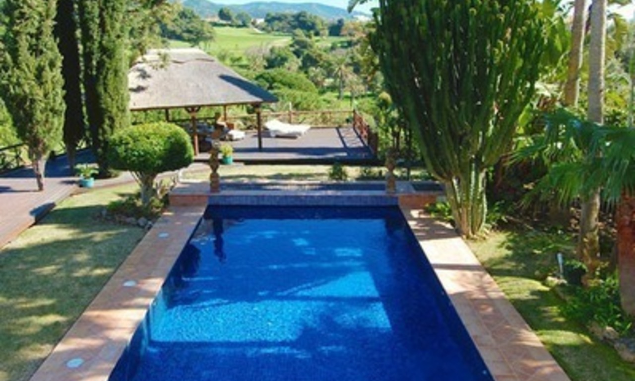 Frontline golf villa for sale in Marbella, walking distance to beach 28
