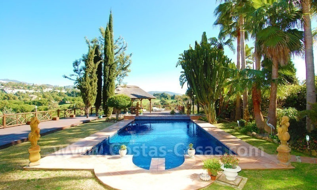 Frontline golf villa for sale in Marbella, walking distance to beach 9