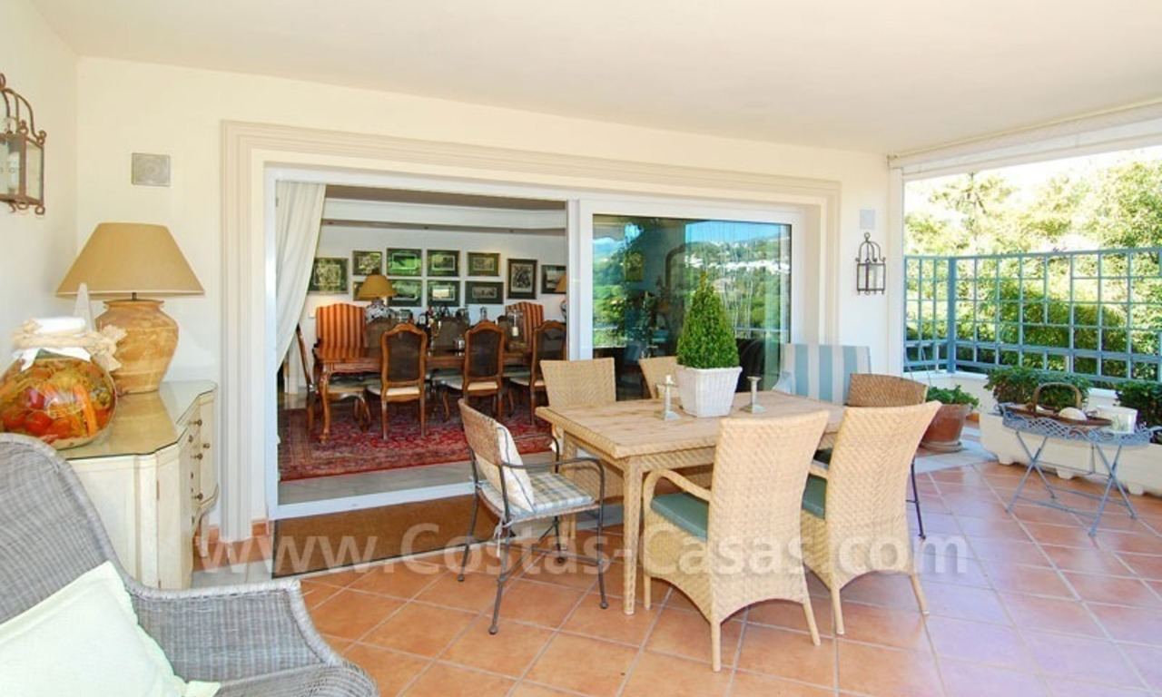 Frontline golf villa for sale in Marbella, walking distance to beach 15