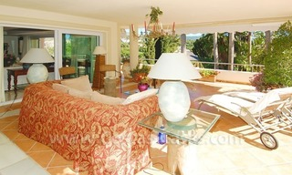 Frontline golf villa for sale in Marbella, walking distance to beach 17