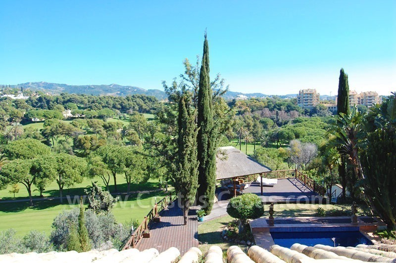 Frontline golf villa for sale in Marbella, walking distance to beach