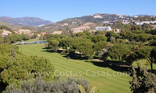 Frontline golf villa for sale in Marbella, walking distance to beach 3
