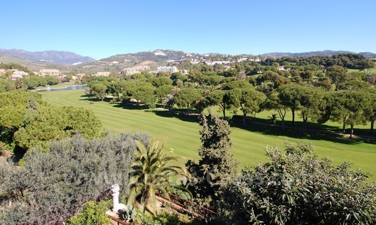 Frontline golf villa for sale in Marbella, walking distance to beach 2
