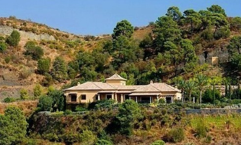 Luxury villa for sale in Golf Resort in Marbella - Benahavis