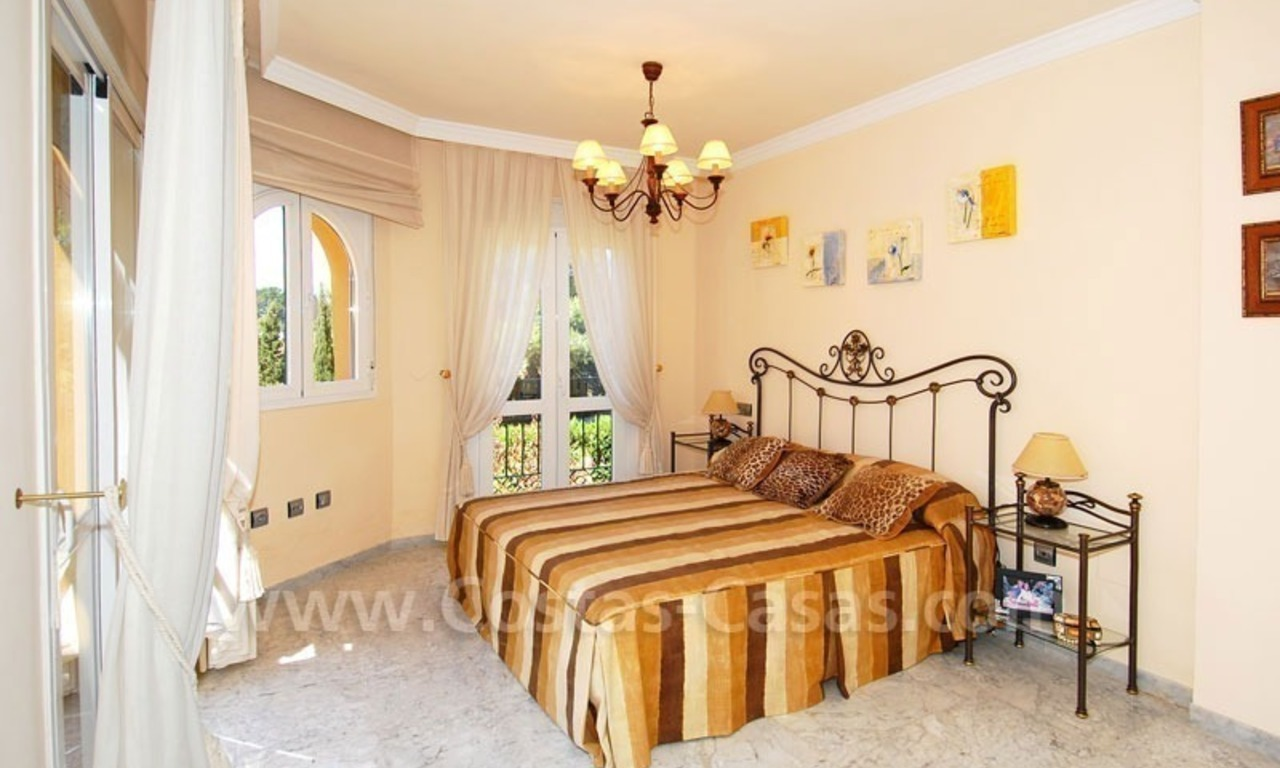 Bargain townhouses for sale on the Golden Mile in Marbella 14