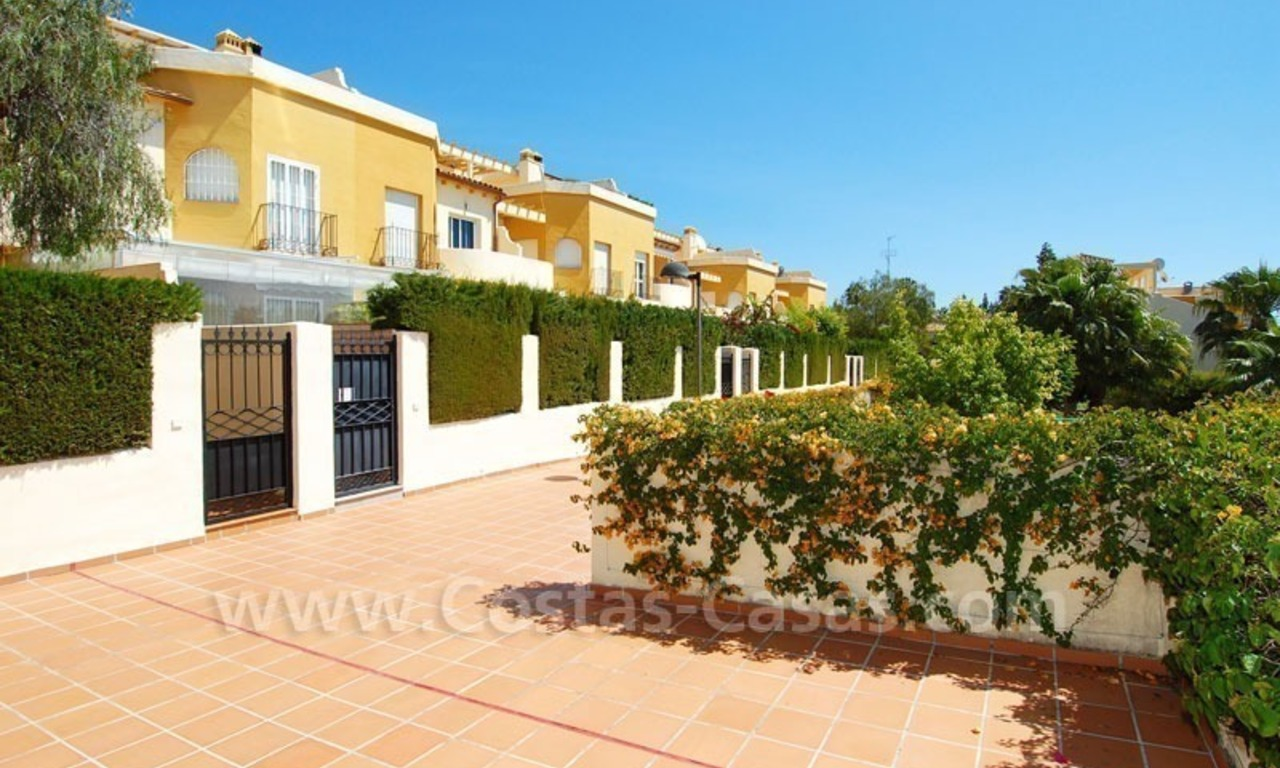 Bargain townhouses for sale on the Golden Mile in Marbella 24