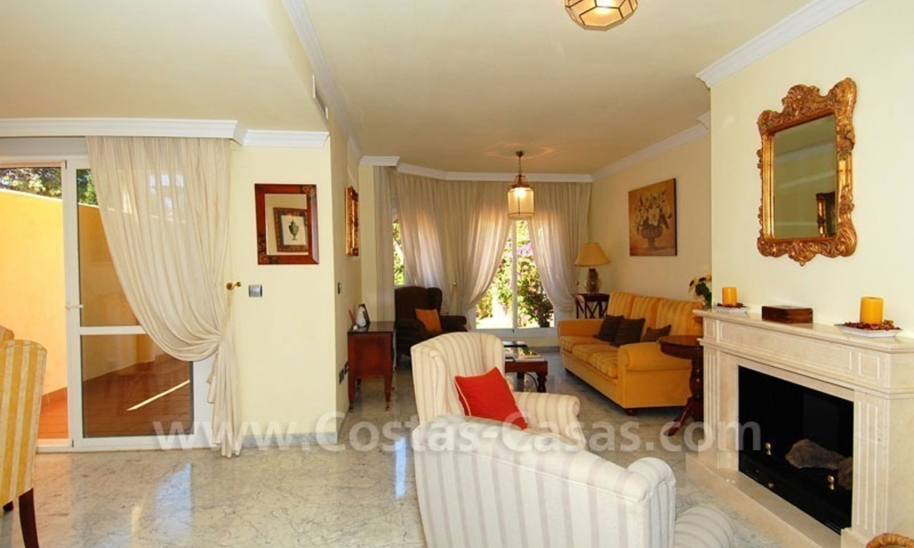 Bargain townhouses for sale on the Golden Mile in Marbella 11