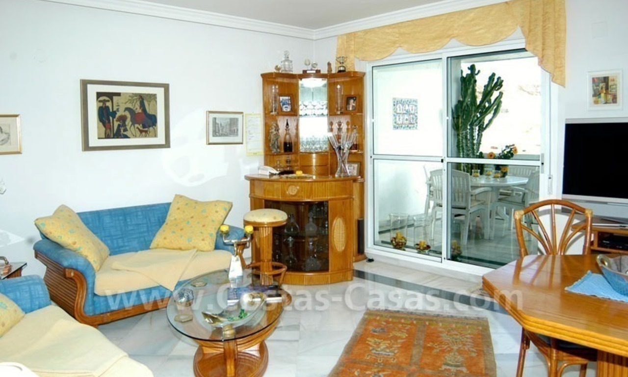Bargain penthouse apartment for sale in Nueva Andalucía, Marbella 9