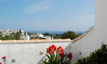 Bargain penthouse apartment for sale in Nueva Andalucía, Marbella 2