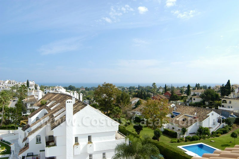 Bargain penthouse apartment for sale in Nueva Andalucía, Marbella