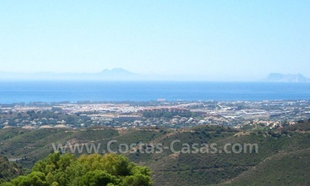 Bargain modern Andalusian style villa to buy in Marbella 4