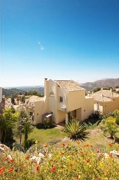 Bargain modern Andalusian style villa to buy in Marbella 6