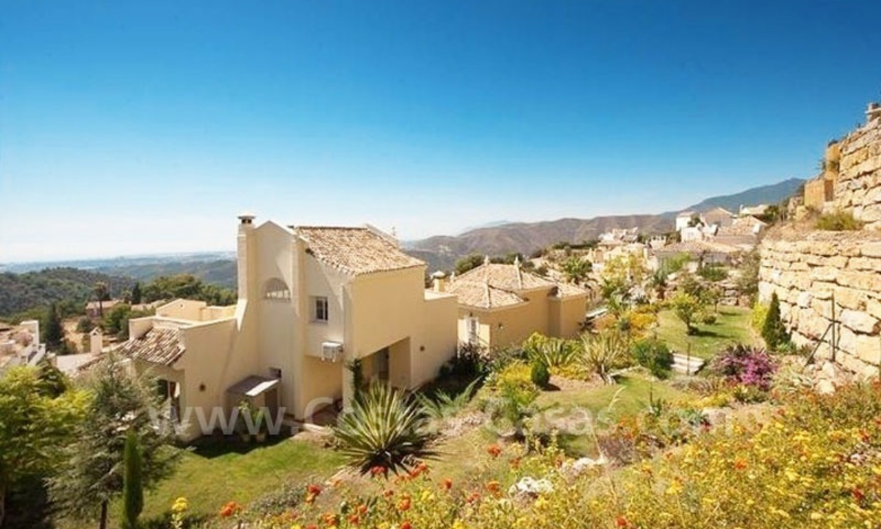 Bargain modern Andalusian style villa to buy in Marbella 5