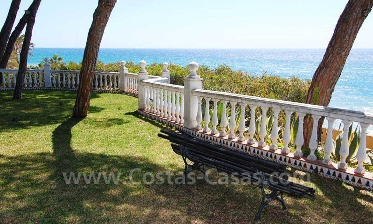Spacious apartment for sale on the beachfront complex in Marbella on the Golden Mile 4